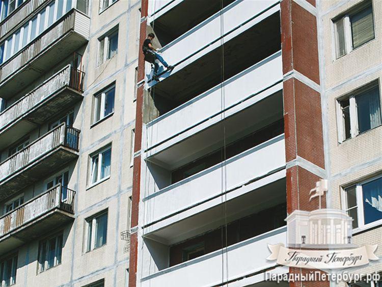 Ремонт переходных балконов на всех этажах дома.