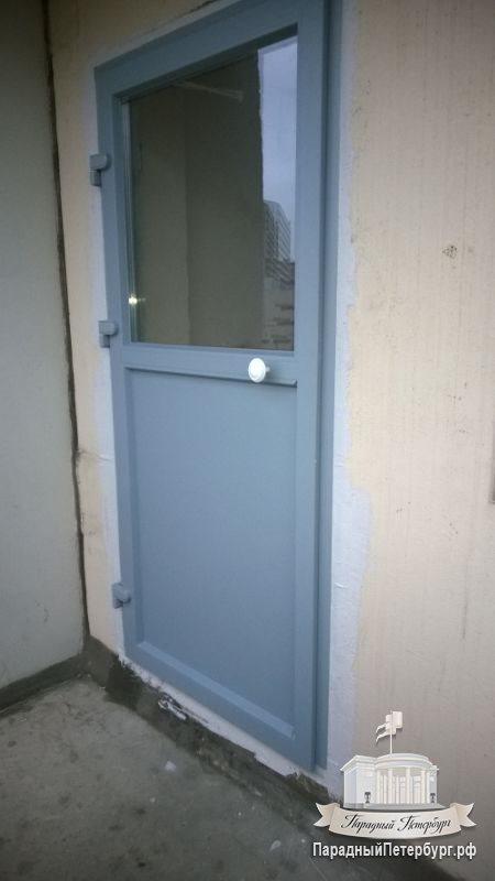 Двери на переходные лоджии.